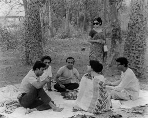 days-and-nights-in-the-forest-1970-001-picnic-00m-mf7